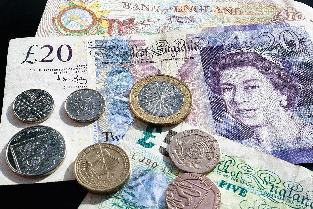 Les bienfaits des banques en lignes en cas de voyage